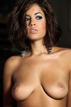 Isis Taylor For Aziani