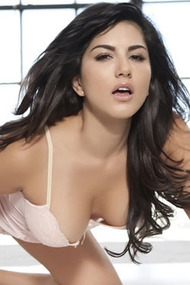 Sunny Leone Posing In Sexy Lingerie